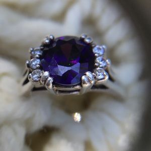 Bold & beautiful purple Amethyst &silver ring